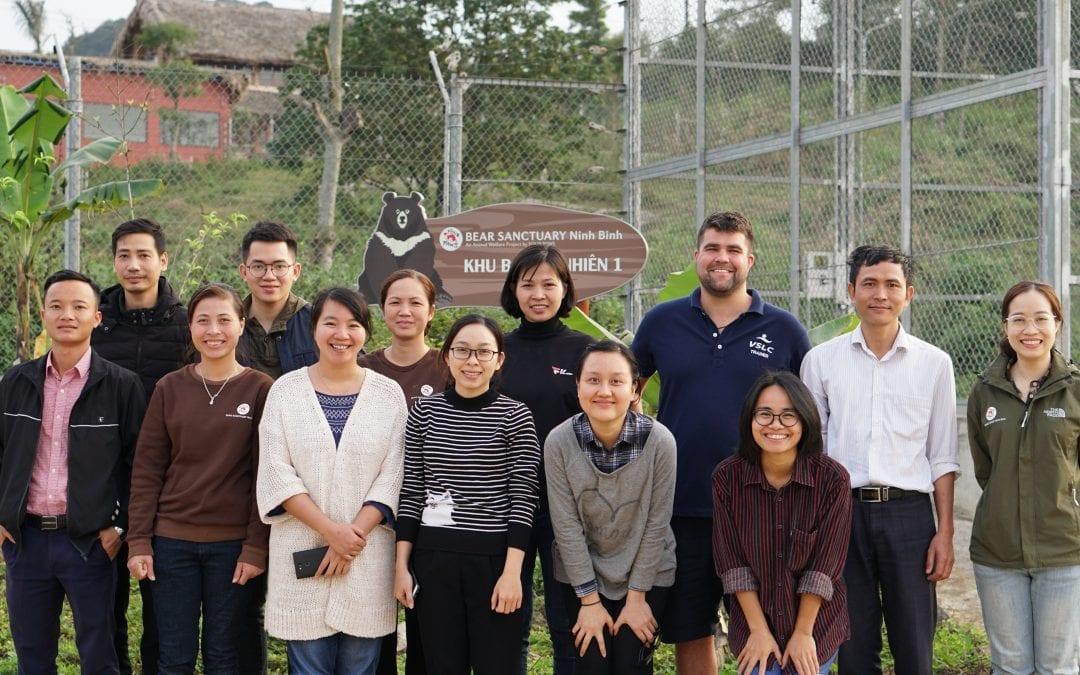 Khóa học Sơ cấp cứu tại tổ chức Động vật hoang dã nước Việt (Four Paws) – trại cứu hộ gấu tại Ninh Bình